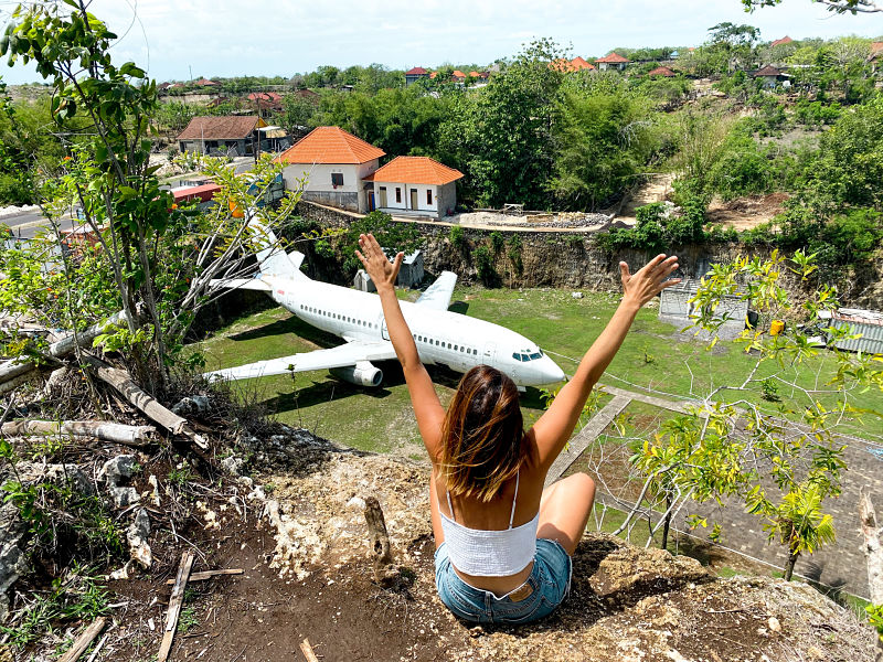 avion-abandonado-bali