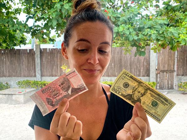 moneda-camboya-riel-dolar