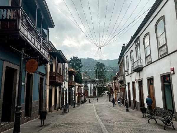 calle-principal-teror-real-plaza
