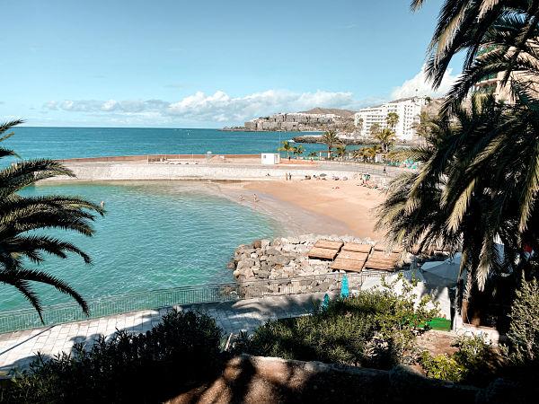 playa-arguineguin-piscina-lajilla
