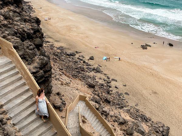 la-escalera-playa-aguila-cotillo