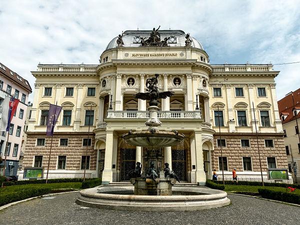 teatro-nacional-eslovaco-bratislava